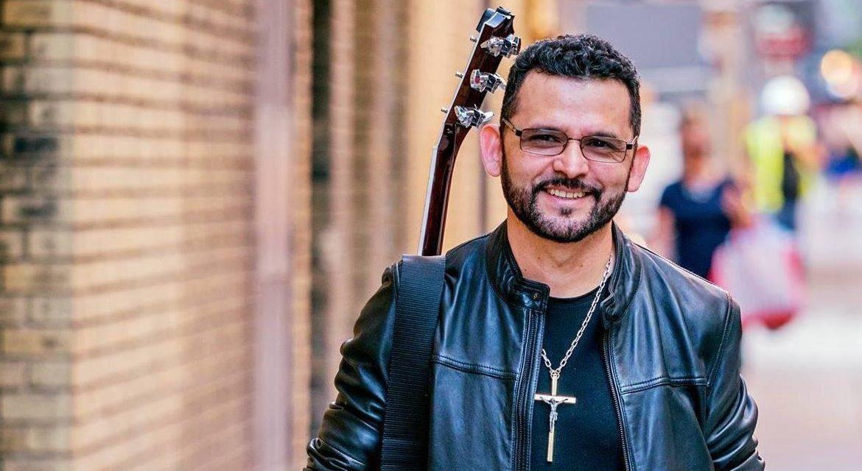 Kike Hércules, la vida del cantautor católico que evangeliza a través de la música