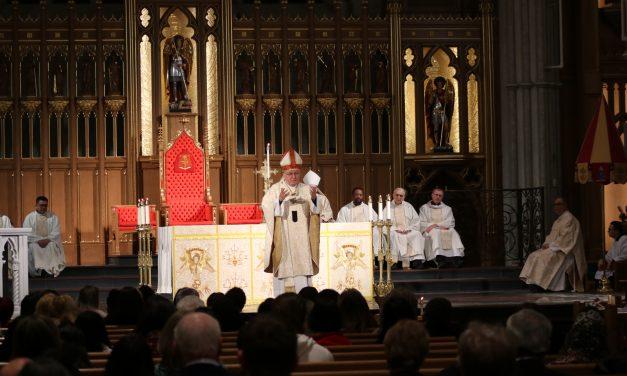 Arquidiócesis de Toronto insta a los fieles católicos a pedir a los MPP el regreso a las misas públicas