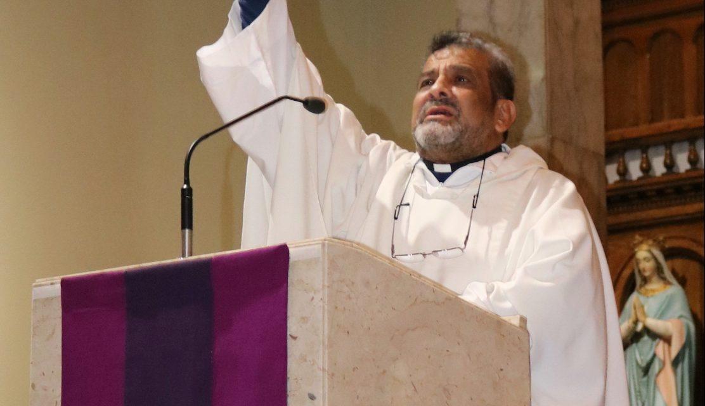Pesar por el fallecimiento del sacerdote colombiano Juan Triviño