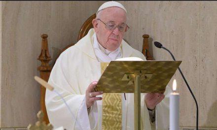 COVID-19: Papa Francisco pide que recemos por los ancianos que tienen miedo a morir solos