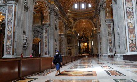 COVID-19: La Basílica de San Pedro reabre al público casi 10 semanas después