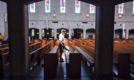 Arquidiócesis de Toronto planea reapertura de misas con pocos fieles, máscaras y distanciamiento social