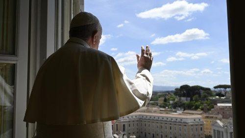 El Papa Francisco dice que 'Jesús nos tiene un puesto en el Cielo y que debemos seguir su camino'