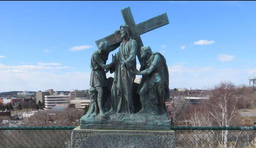 La diócesis católica canadiense tiene como objetivo reparar las Estaciones de la Cruz desfiguradas