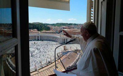 """Rezo del Regina Coeli. El Papa Francisco afirma que """"Jesús no es un fantasma, es una Persona viva"""""""