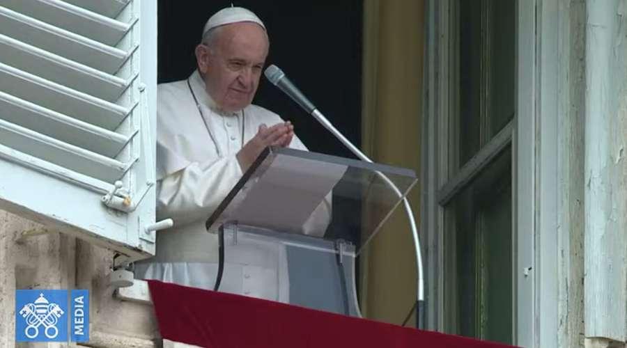 El Papa Francisco en el Ángelus: «El verdadero milagro es el compartir»