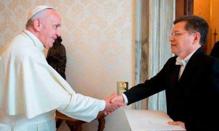 El Papa nombra al boliviano Julio César Caballero como responsable de la Pontificia Comisión para América Latina