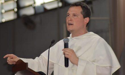 Hispanos Católicos da la bienvenida al sacerdote boliviano Fray Rafael Guzmán a su staff de columnista