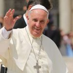 Ángelus del Papa Francisco: «Jesús enseña a vivir en la lógica de Dios, hacerse cargo del otro»
