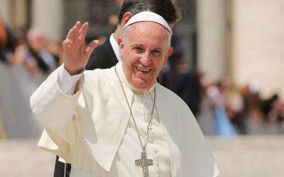 El Papa a la hora del Ángelus: «El valor de la persona no depende del éxito ni del dinero que tiene»