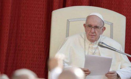 """Francisco: «Buscar el bien común es misión de todo cristiano, si hacemos lo contrario, saldremos peor"""""""