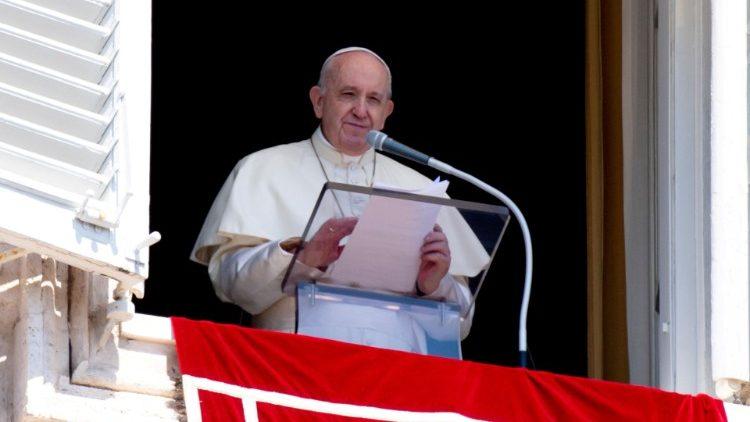 Ángelus dominical: El Papa Francisco dice que 'el chismorreo es una peste más fea que el Covid-19'