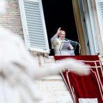 Ángelus del Papa Francisco: «Jesús enseña a huir de la hipocresía y ser ciudadanos honestos»