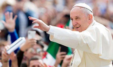 """Ángelus del Papa Francisco: """"La viña es del Señor, no nuestra. La autoridad es un servicio»"""