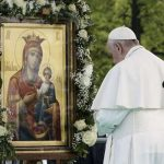 En la Audiencia General, el Papa Francisco sugiere imitar la oración de la Virgen María