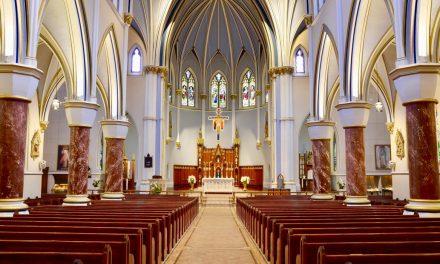 Catedral de Vancouver celebra misa en español por la solemnidad de Todos los Santos