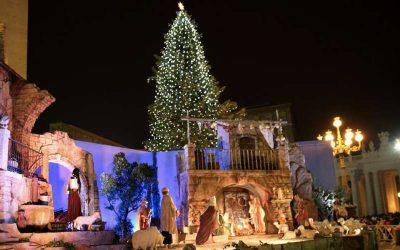 Papa Francisco en el Ángelus advierte que 'el consumismo nos ha secuestrado la Navidad'