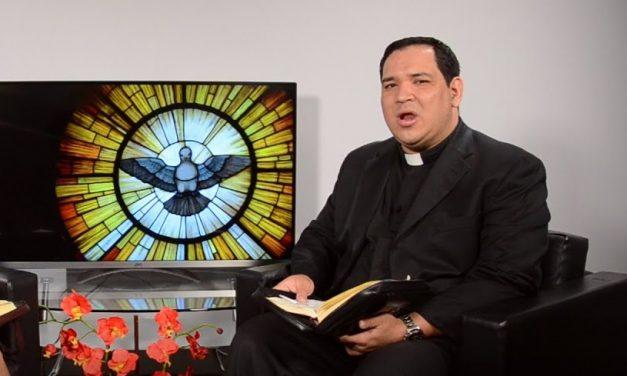 Conociendo al Padre Edgar Romero, 'un pastor con olor a oveja' en la comunidad hispana de Toronto
