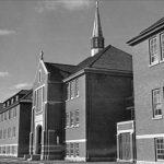 Arzobispo de Vancouver lamenta el hallazgo de 215 cuerpos de niños en antigua escuela residencial