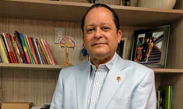Gran pesar por la muerte de Luis Espinal, coordinador de la Renovación Carismática Católica Dominicana